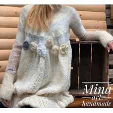 Knitted blouse white